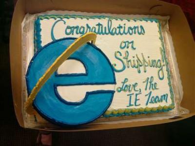 iekake 400x300 Internet Explorer teamet baker kake til Mozilla og gratulerer med lansering